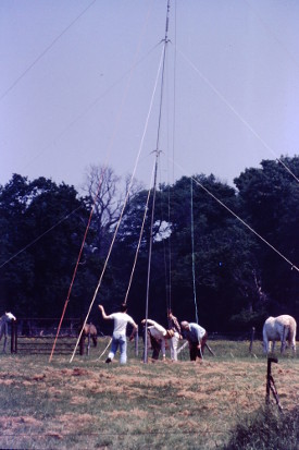 Picture of Puting up an aerial mast
